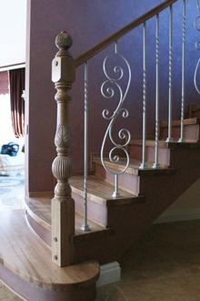 Фото кованых перил: для лестниц в доме и на улице, на