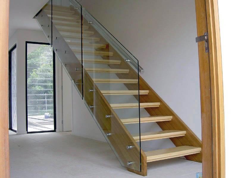 Изготовление лестниц на заказ по индивидуальному проекту